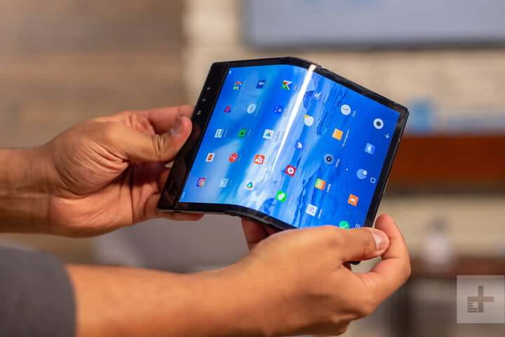 Why Foldable Smart Phone's War Begins